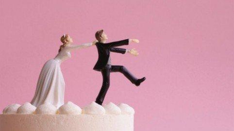 Assegno divorzile: spetta all'ex moglie anche se lavora, ma non all'ex marito se disoccupato