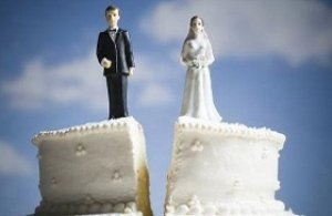 Mantenere la ex moglie anche se rifiuta il posto di lavoro?