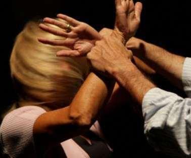 Maltrattamenti in famiglia: amante equiparata (quasi) alla moglie