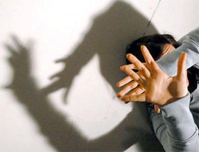 Impediscono alla figlia di frequentare il fidanzato, la Cassazione li condanna