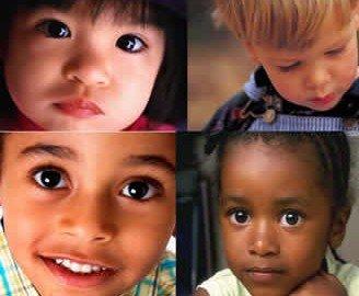 Adozioni: gli aspiranti genitori non possono scegliere l'etnia del bimbo