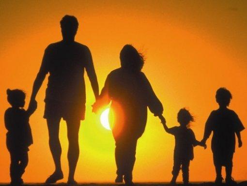 la famiglia ferita fin dalla sua nascita