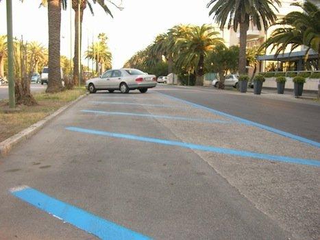 Strisce blu: come far annullare la multa. Necessaria l'ordinanza comunale