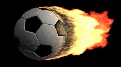 Il gestore del campo di calcio risarcisce l'infortunio del giocatore per la struttura inadeguata