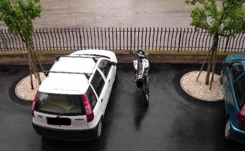 Parcheggi in condominio insufficienti: i turni valgono per tutti