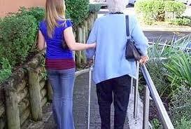 Badanti: a pagare è il figlio dell'anziano assistito