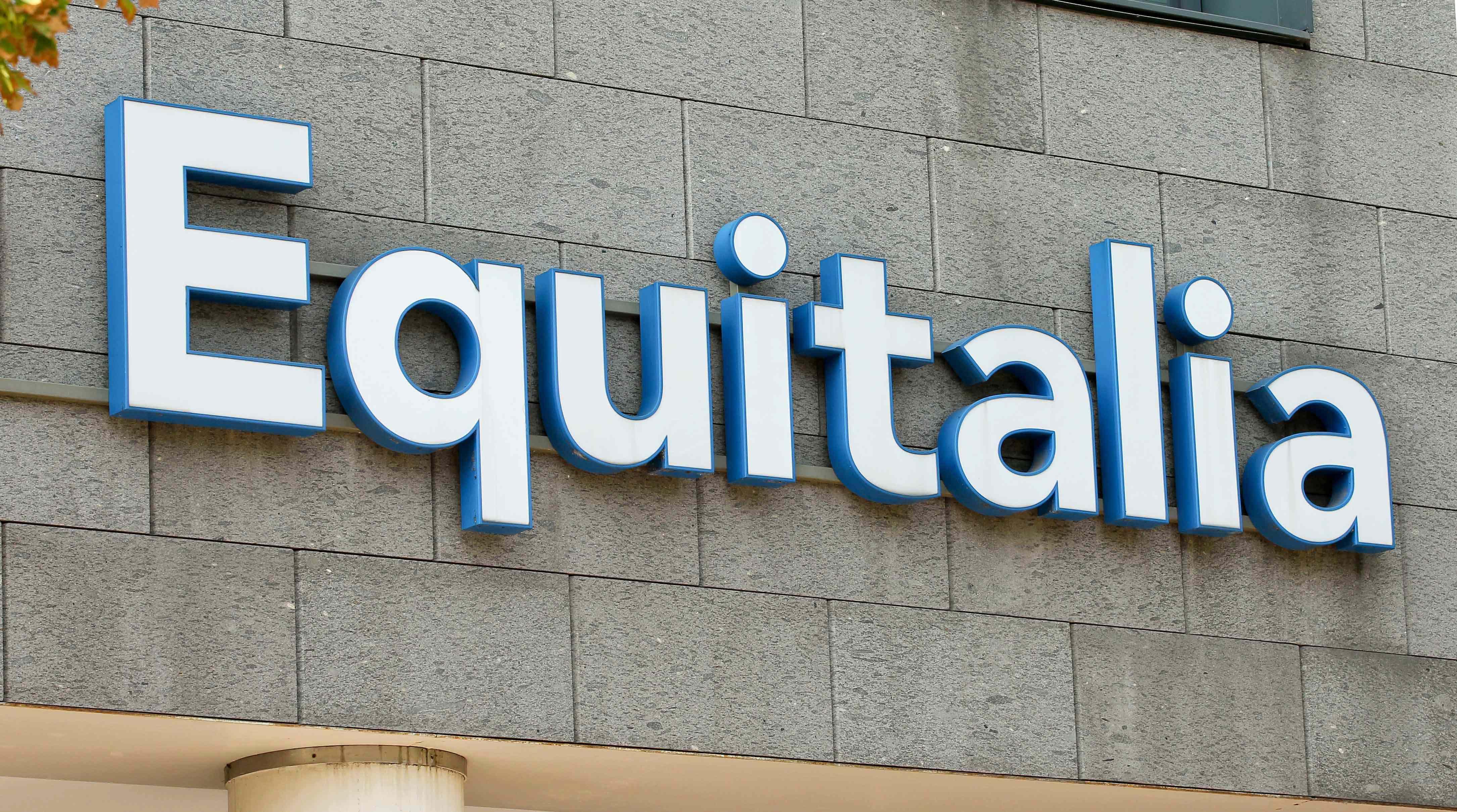 Equitalia non chiede i dati della carta di credito: è una truffa informatica