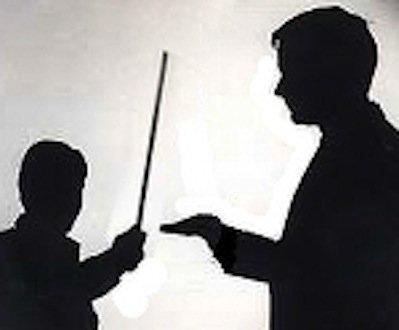 Insegnante violento con alunni: come difendersi