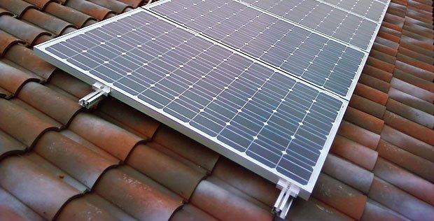 Se ho il fotovoltaico sul tetto pago di più in caso di lavori?