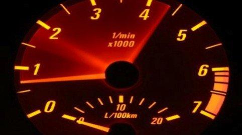 Contachilometri taroccato dell'auto di seconda mano