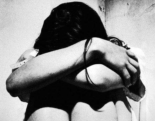 Violenza sessuale sui figli: madre colpevole se non impedisce l'abuso