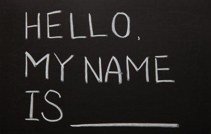 Riconoscimento del figlio: il cognome del padre si può anteporre?