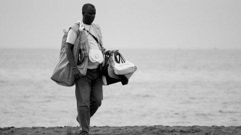 Acquisti dagli ambulanti: cosa si rischia?