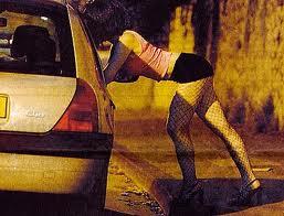 Vestiti trasgressivi, sexy e osé: è reato per la prostituta?