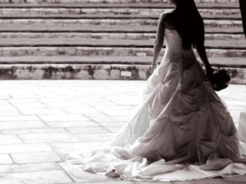 """Nasce la polizza """"Sposami"""": per gli abbandonati dai partner"""
