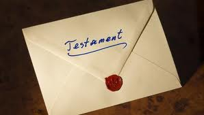 Pubblicazione del testamento: come il notaio avverte gli eredi