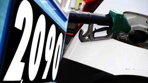 Doppia truffa dietro i prezzi della benzina