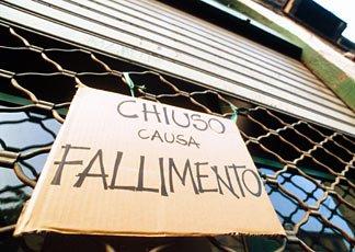 La società trasferita all'estero può essere dichiarata fallita in Italia: tutelati tutti i dipendenti