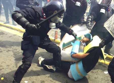 Cassazione: al G8 di Genova un massacro. Italia screditata davanti al mondo intero