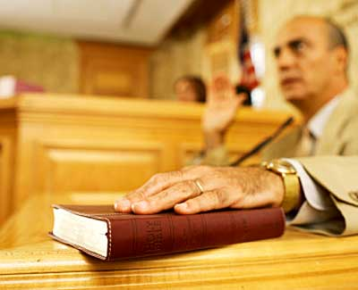Cosa succede al testimone che non si presenta in causa?