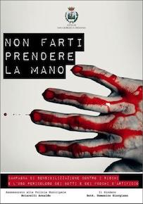 Fuochi di capodanno: manifesti splatter vicino Napoli
