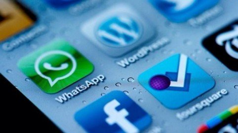 Dati WhatsApp a Facebook: interviene il Garante Privacy