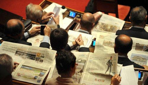 La sfiducia nei partiti e nelle istituzioni: il crac della democrazia