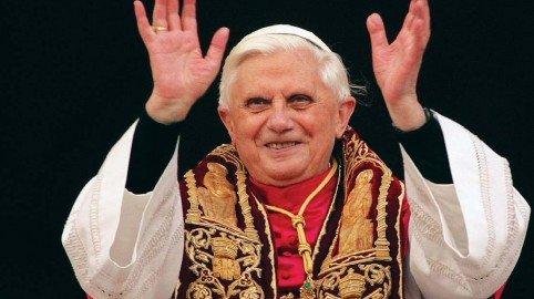 Il Papa Ratzingher si dimette