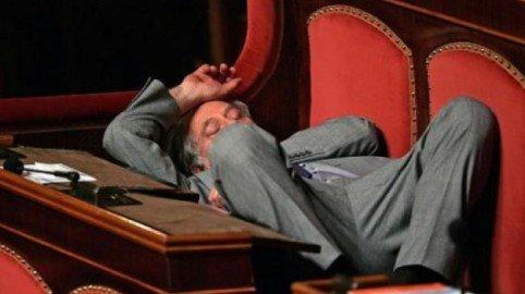 Offendere un politico non (sempre) è reato