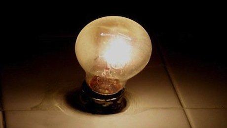 Per chi paga in ritardo la bolletta luce e gas, nuove regole