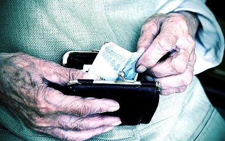 Addio risparmi: ecco come Equitalia conosce i nostri conti e pignora 100% di pensioni e stipendi
