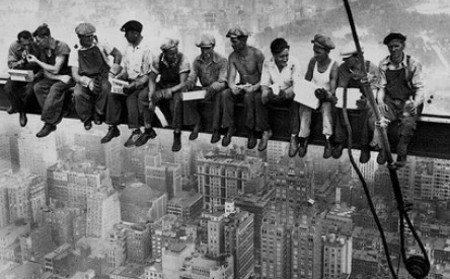 Licenziamento: se il reintegro non è tempestivo, il lavoratore va risarcito
