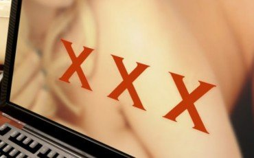 Annunci erotici ed escort: siti web ed app sono illegali?
