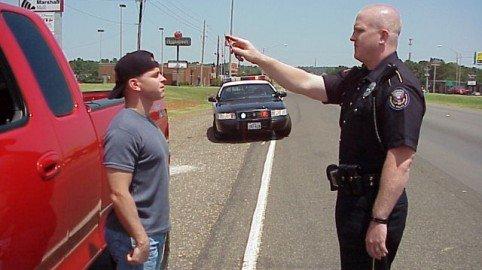 Alcoltest nullo se manca l'avviso al conducente di farsi assistere dall'avvocato