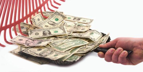 Per contrastare il contante, il Governo rende le carte di credito più convenienti