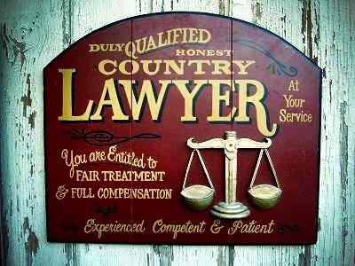 Avvocati dipendenti di altri avvocati: triste realtà o stortura del sistema?