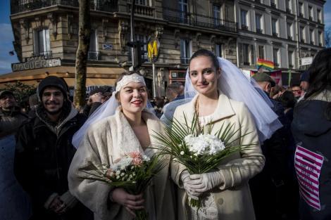 Cambiare sesso implica il divorzio per legge: ma non è costituzionale