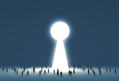 Inquilini morosi: legittimo cambiare serratura e staccare la luce?