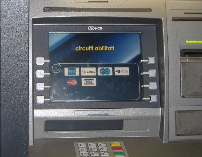 Carta di credito o bancomat: furto o smarrimento, la banca risarcisce