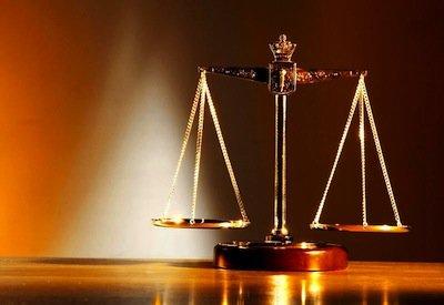 Studio legale: vietato licenziare la segretaria e affidare ai praticanti le sue funzioni