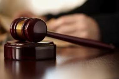 Il patteggiamento non fa scattare il risarcimento del danno nel processo civile