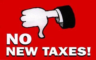Aumento dell'IVA o aumento della benzina? Italiani senza scampo