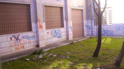 Alunno cade e si fa male nel cortile della scuola: il ministero deve risarcire i genitori