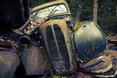 Col beneficio d'inventario legittimo rottamare l'auto senza autorizzazione del giudice