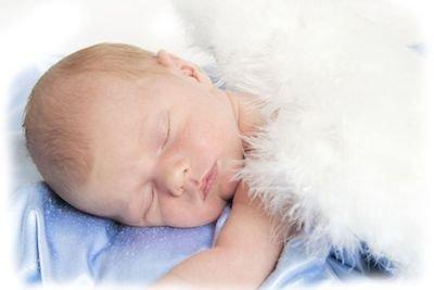 Bambini nati morti: hanno diritto alla sepoltura e all'iscrizione all'anagrafe?