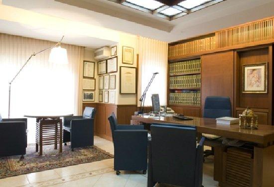 Ufficio In Casa Spese Deducibili : Stanza da destinare a studio devo redigere un contratto