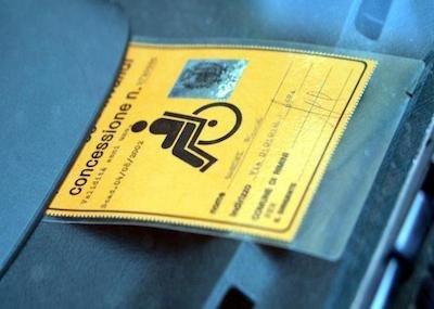 Fotocopia pass invalidi: non è reato