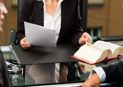 Cosa deve dire l'avvocato al cliente prima di iniziare la causa