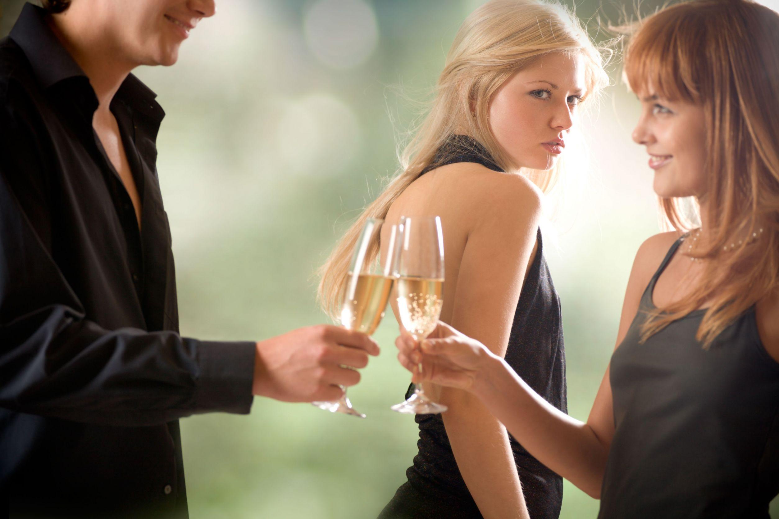 La gelosia non è una scusa: separazione con addebito e reato