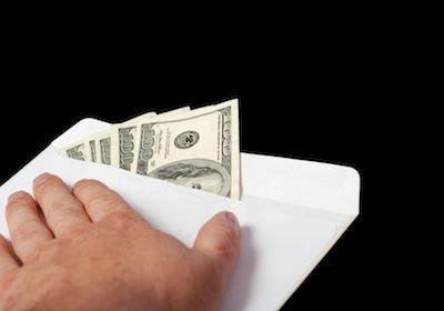 """L'avvocato deve """"verificare"""" i soldi del proprio cliente"""